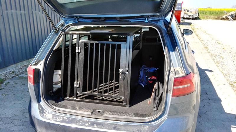 b-Safe XL PRO i VW Passat Stationcar fra 2015