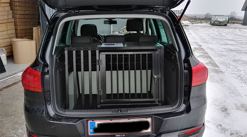 b-Safe XL Wide PRO med trin i VW Tiguan